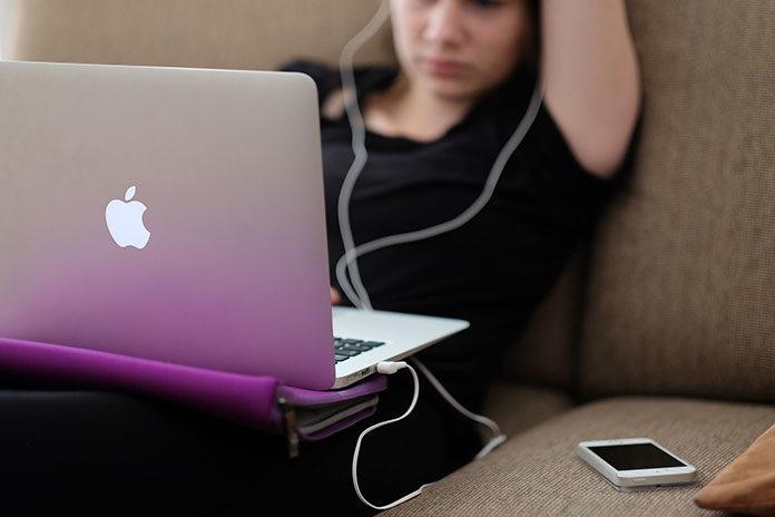 Laptopy poleasingowe – komu najlepiej posłużą?