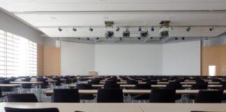 projektor multimedialny dla szkoły